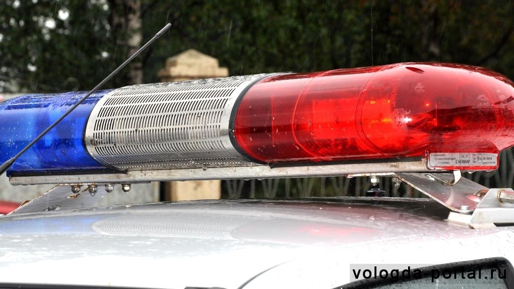 Мужчина напал с ножом на служительницу церкви в Вологде